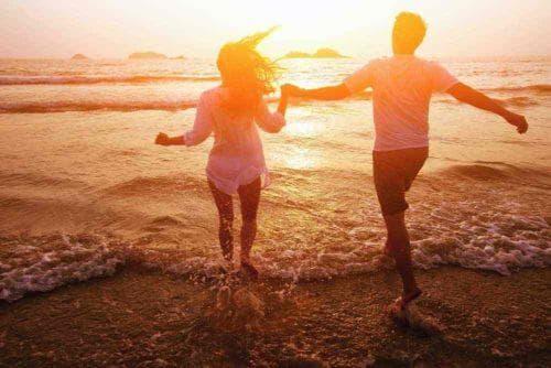 Les étapes d'une relation amoureuse épanouie