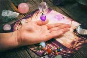 voyance-au-feminin-ch-article-blog-comment-utiliser-son-pendule