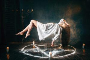 voyance-au-feminin-ch-le-mythe-des-sorcieres-rituels-paiens