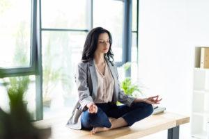 voyance-au-feminin-meditation-travail